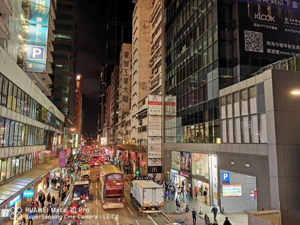 HUAWEI Mate 30 Pro的夜景模式拍攝出明亮而又有夜色氛圍的相片。