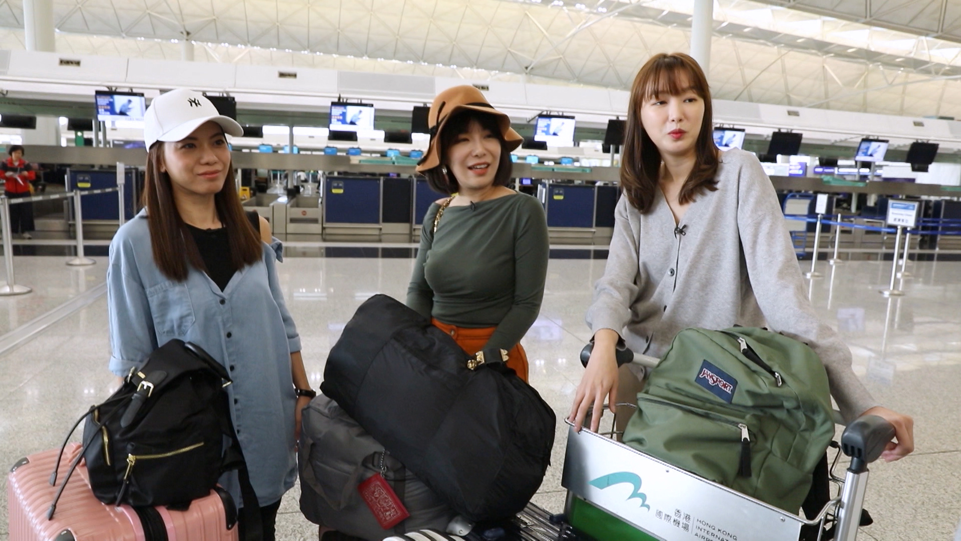 趙頌茹率領兩位素人(左起:Christy、Poppy)前往日本東京
