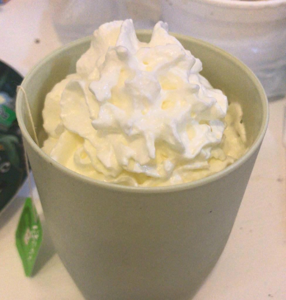 一大杯cream是Larine的消夜