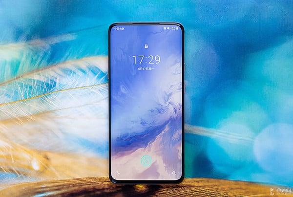 OnePlus 成為 2019 年印度最暢銷高階手機品牌
