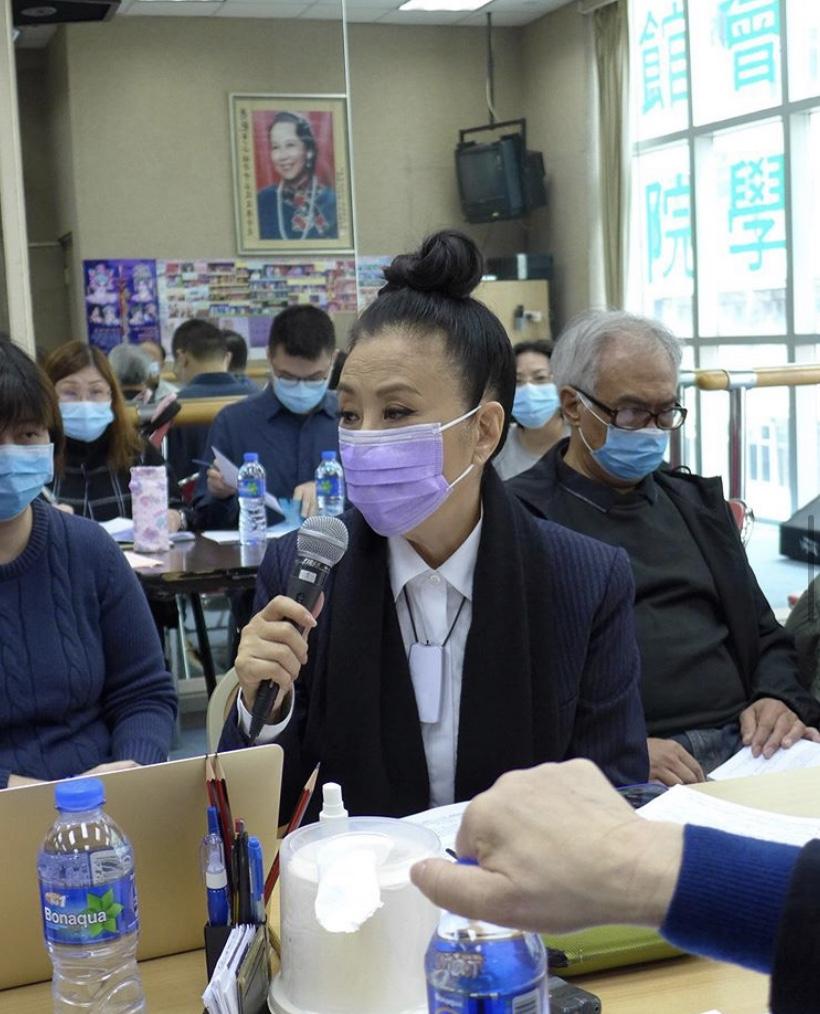 【武漢肺炎】Liza姐向八和會館員工派防疫用品