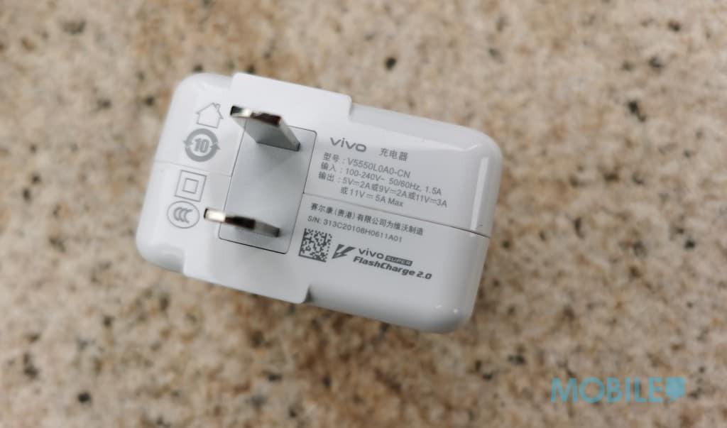 四千頭玩S865 5G電競旗艦?iQoo 3 5G上手玩