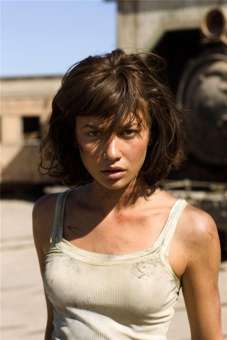 Olga曾於電影《新鐵金剛之量子殺機》飾演邦女郎