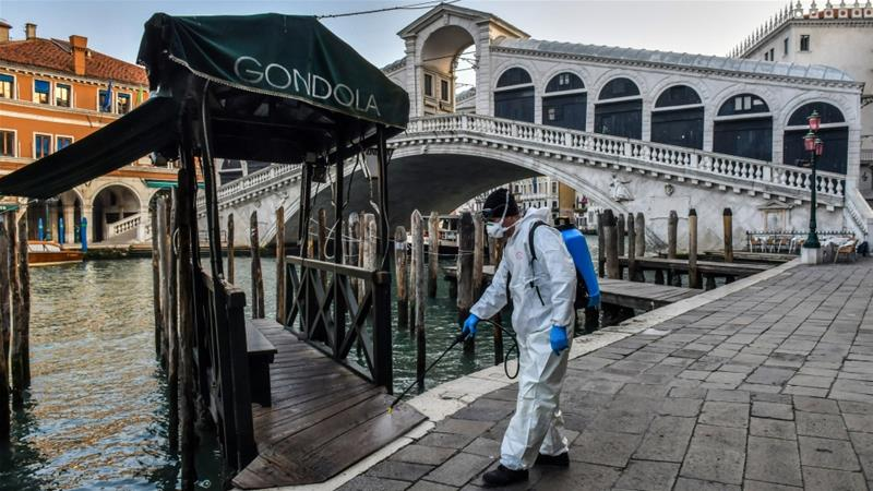 意大利死亡個案回升 改裝為醫療船的郵輪抵熱那亞港口