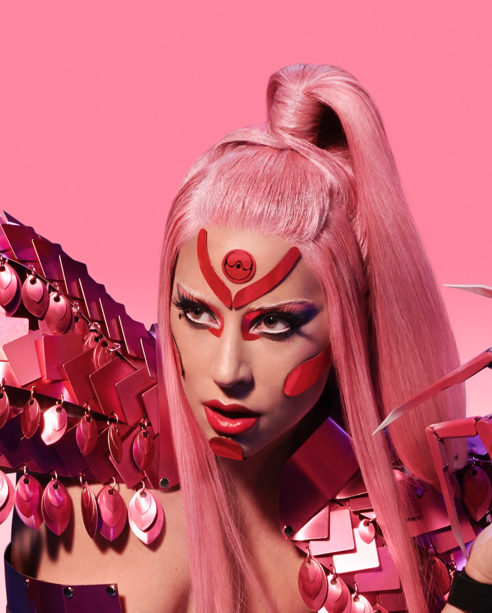 Gaga忍痛宣布延遲推出專輯《Chromatica》
