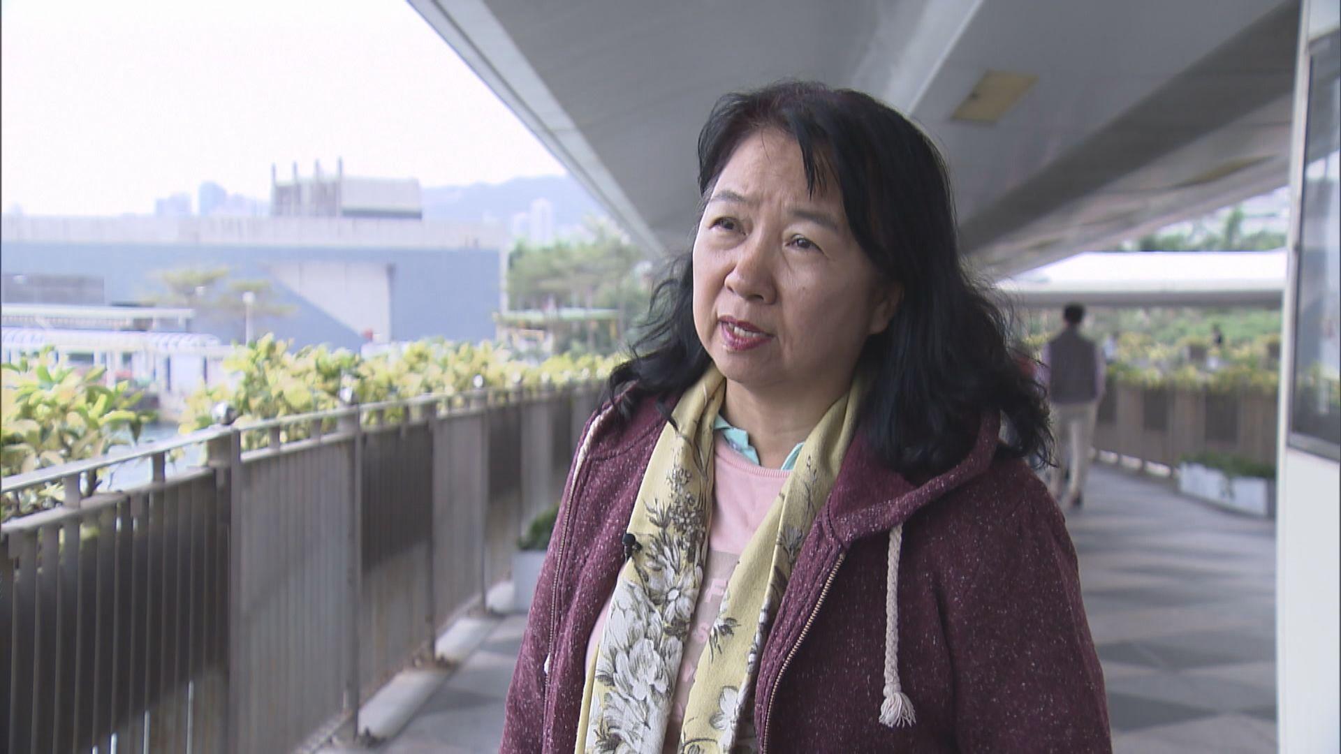 鄭麗琼獲准保釋 離開警署時無回應記者提問