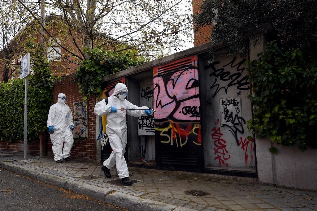 西班牙再增逾八百人死 政府促民眾未來兩周繼續居家工作