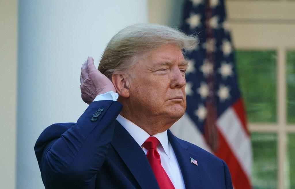 特朗普稱或建議國民戴口罩