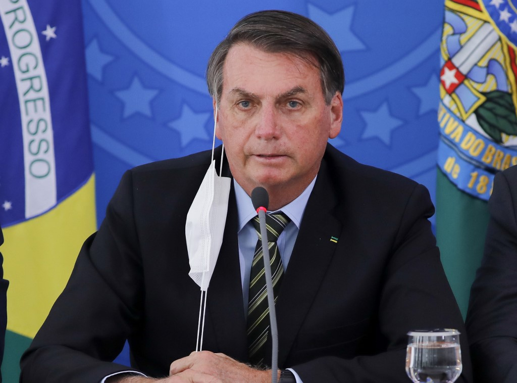 巴西總統輕視疫情影片遭多個社交平台刪除