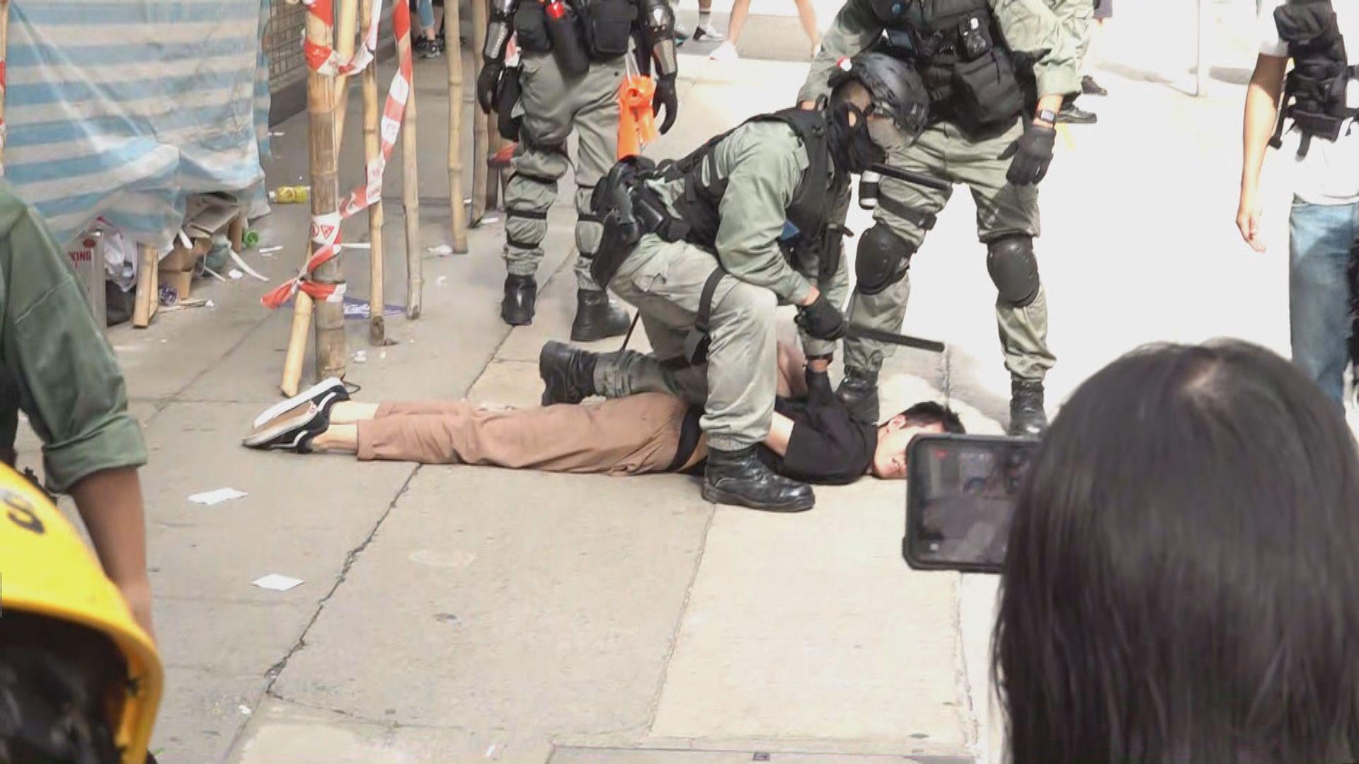 警方銅鑼灣及灣仔拘捕最少120人