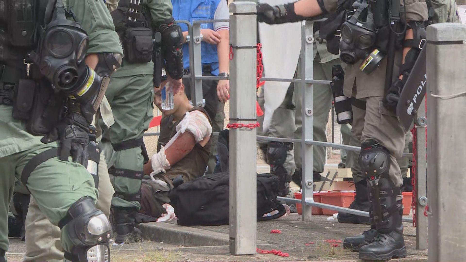 高士威道有警員採取拘捕行動時被襲擊受傷