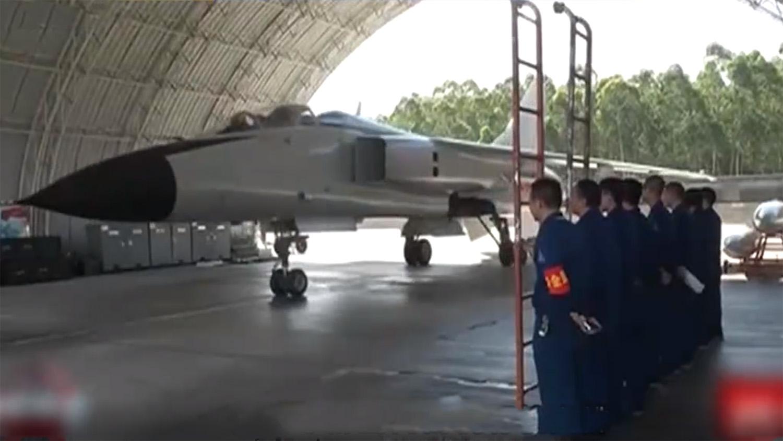 解放軍戰機在南海完成高強度訓練