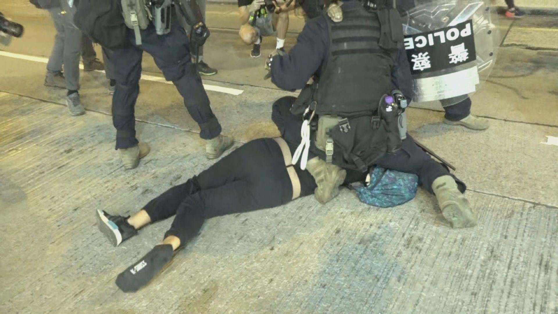 英國會跨黨派香港小組建議制裁容許警暴官員