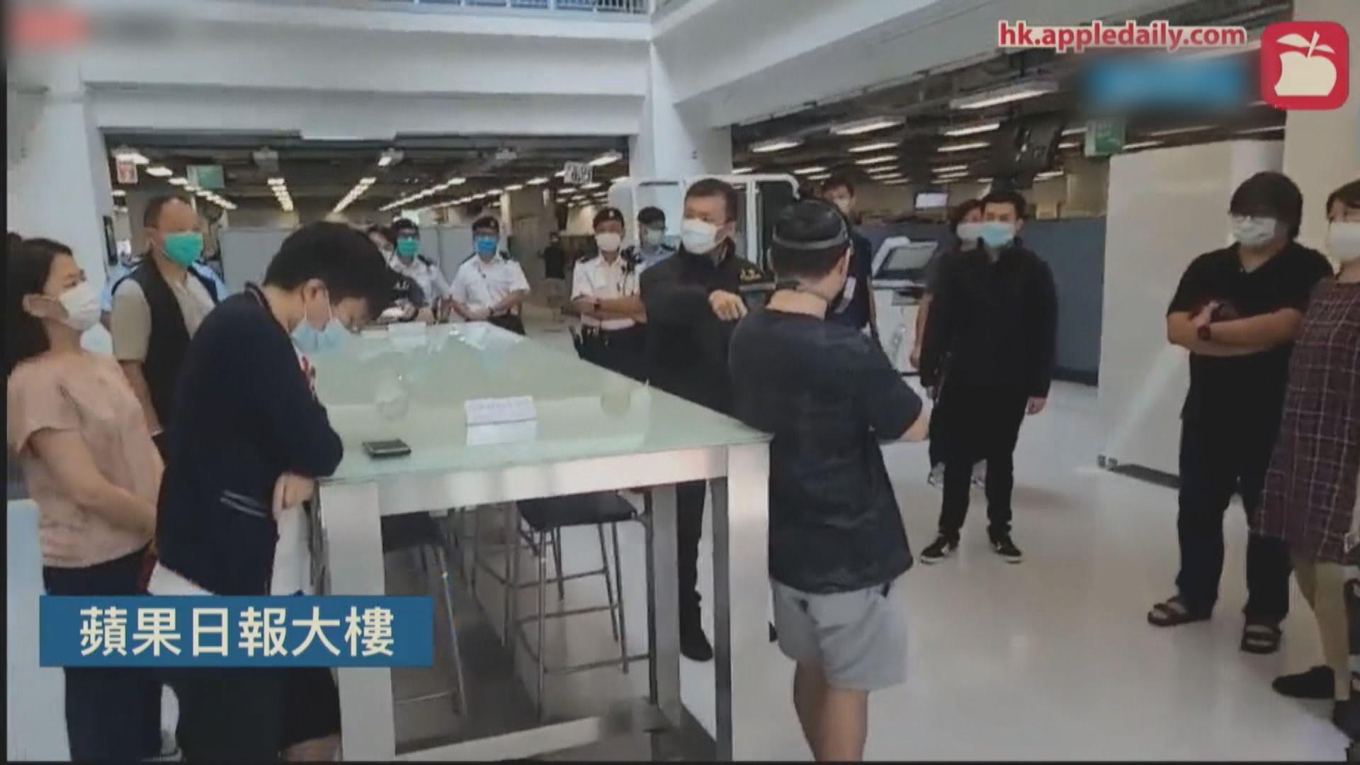 李桂華率警入大樓搜證 壹傳媒管理層一度與警爭執