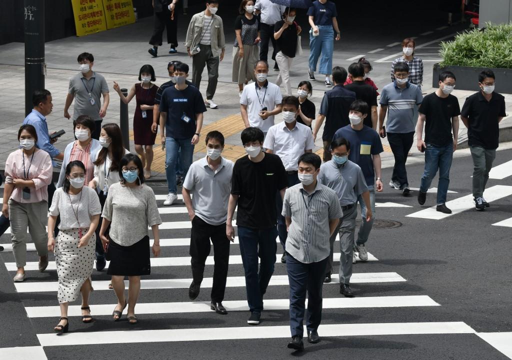 南韓連續兩天逾三百宗確診