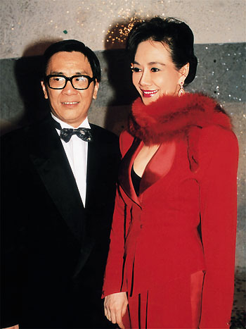 右:林燕妮