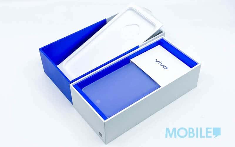 ▲ 造型醒目藍底白色包裝盒設計