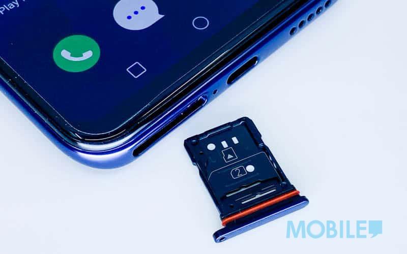 ▲ 採用更具彈性的兩面 3 選 2 的 Nano SIM/Micro SD 卡槽設計