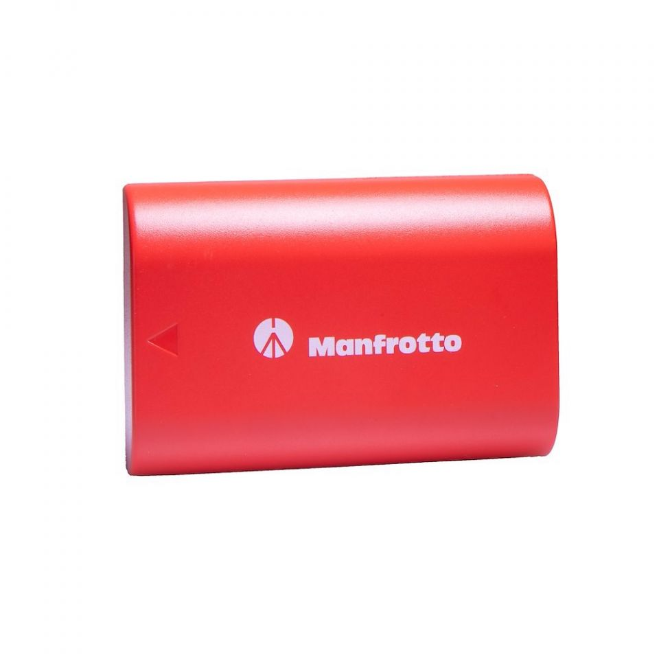 【踩過界】Manfrotto推Canon、Nikon版電池 稱電量更勝原廠