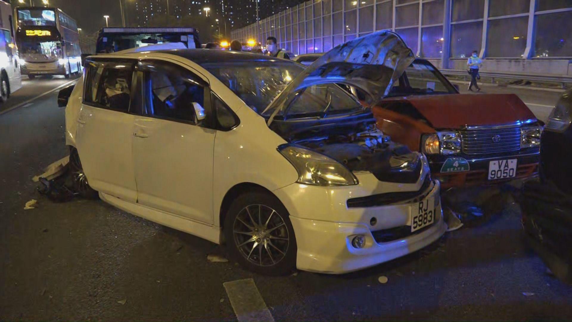 吐露港公路四車相撞 五人受傷