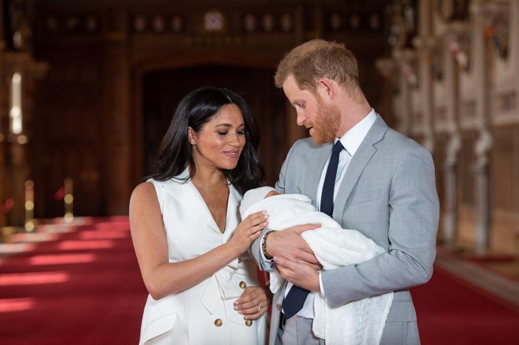 哈里夫妻與首名兒子