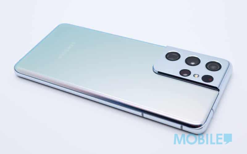 ▲ 與手機機背跟金屬邊框一體化的鏡頭模組設計