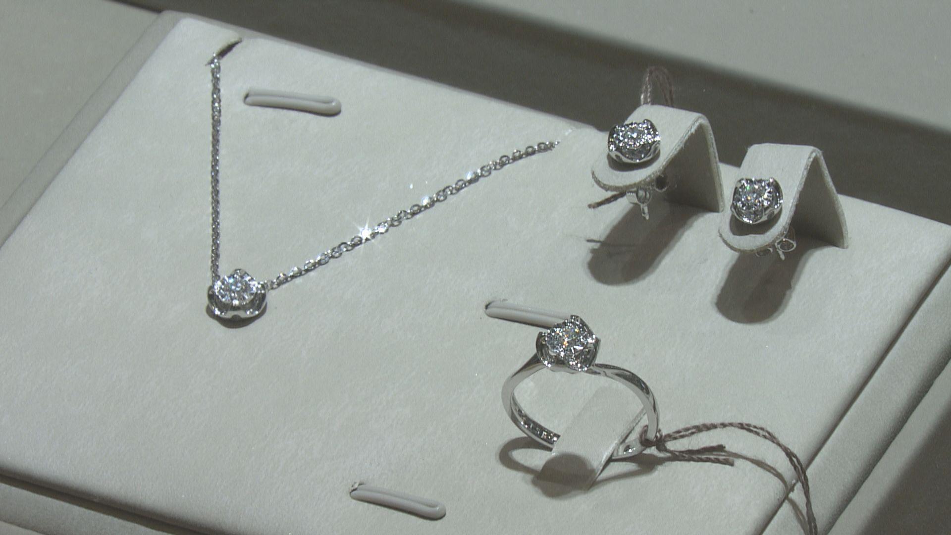 消委會去年接210宗珠寶首飾投訴 13萬鑽戒疑鑲工不穩致「甩石」