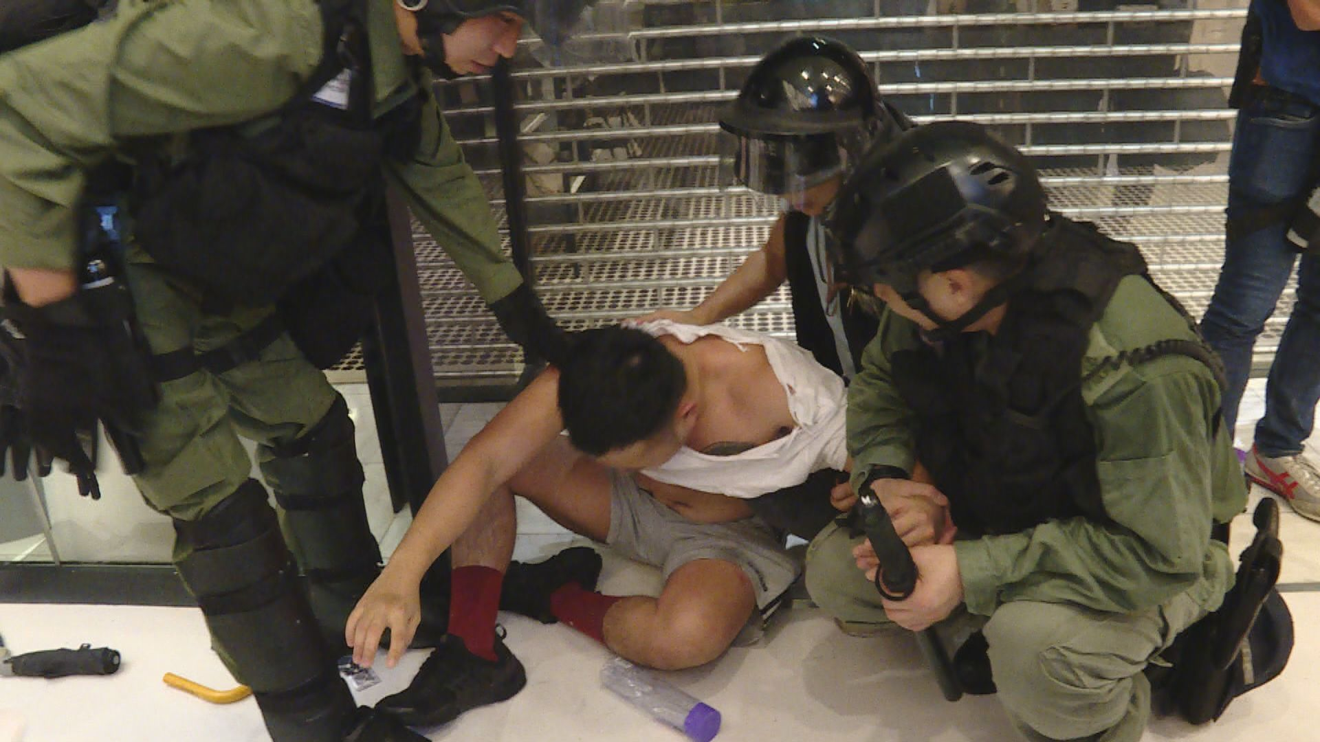 前年沙田衝突男子咬斷警長手指四罪罪成 還柙等候判刑