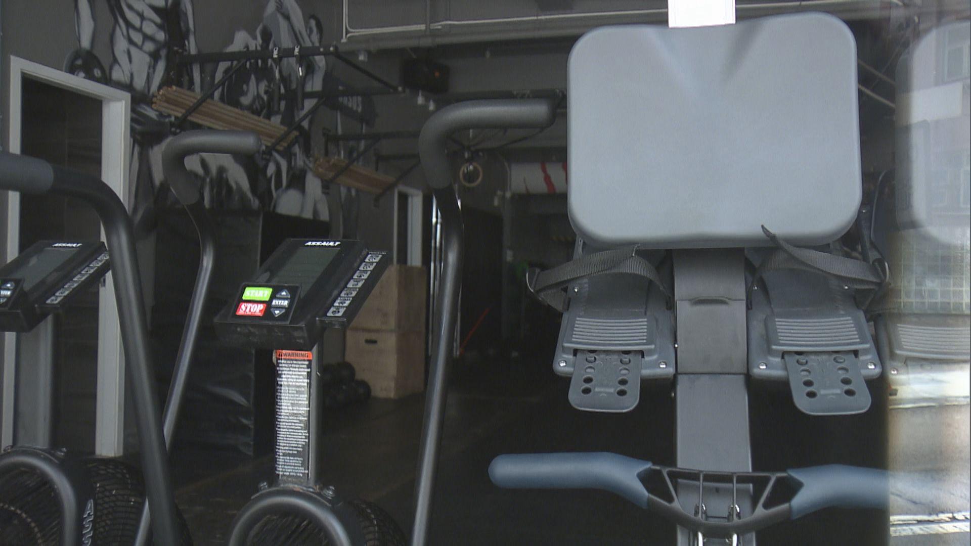 【即日焦點】疫情反彈政府籲港島健身人士檢測 有健身室稱跟足指引盼可繼續營業;Netflix測試新驗證方式 杜絕共用帳戶