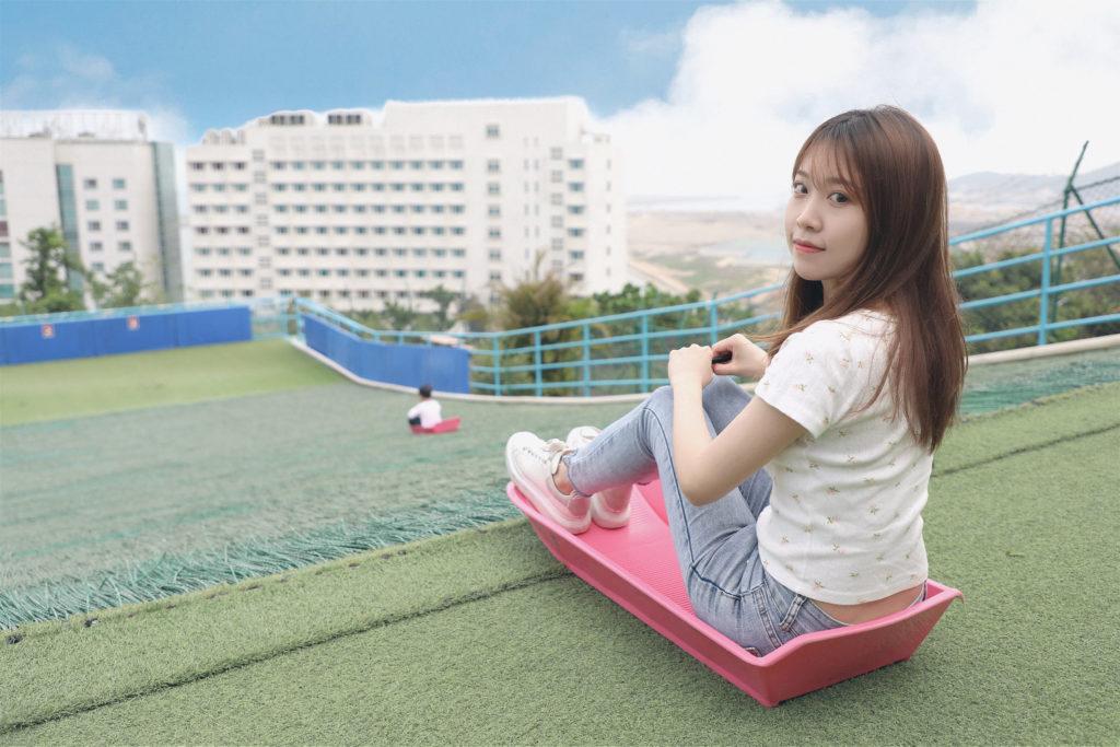 免費的粉色滑草船
