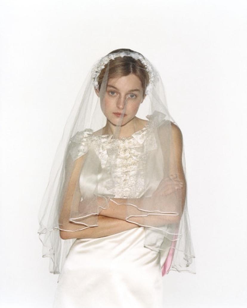 《王冠》愛瑪歌連自稱Queer新娘暗示出櫃?