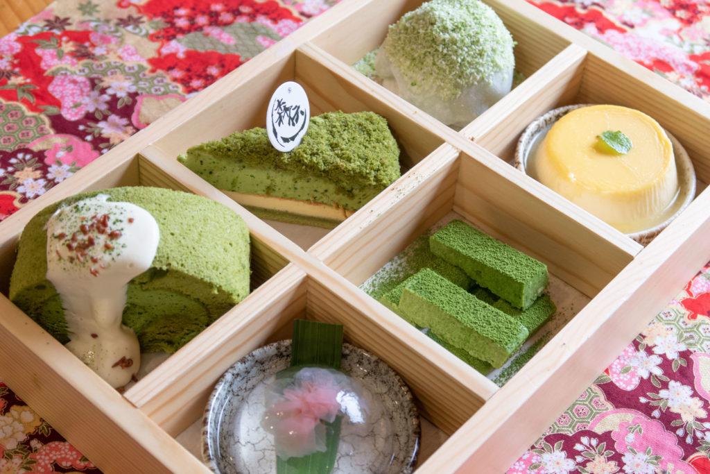 极盛拼盘(内有6款甜品):內有6款不同甜品,下午茶必選!
