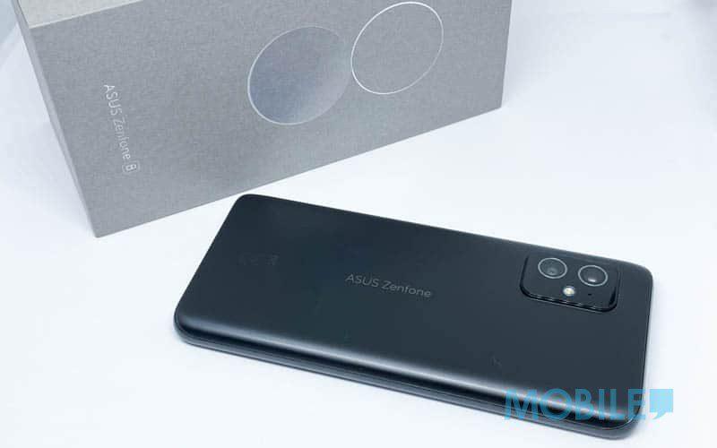 120Hz 螢幕、169g 細機身,迷你旗艦 ZenFone 8 開箱、上手玩