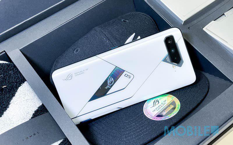 型格幻視螢幕、18GB RAM 極限效能,ROG Phone 5 Ultimate 開箱玩