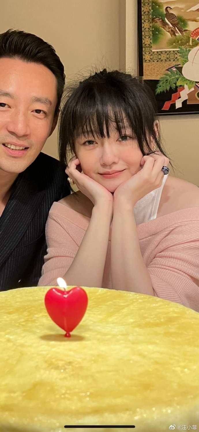 二人3月才恩愛慶祝結婚十周年