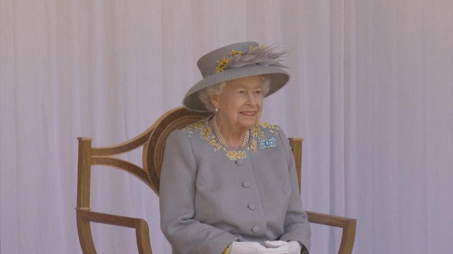 英女王出席官方慶祝壽辰儀式