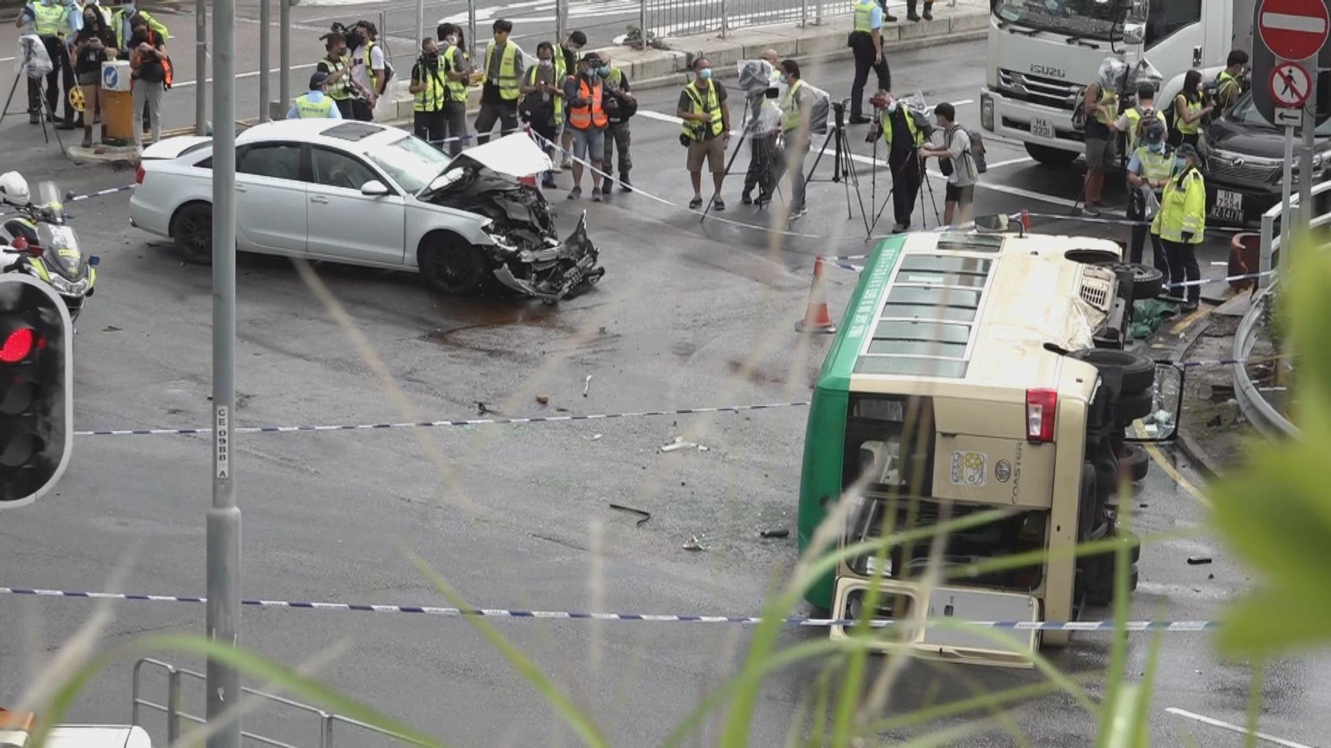 沙田致命車禍小巴司機當場死亡 至少七人受傷