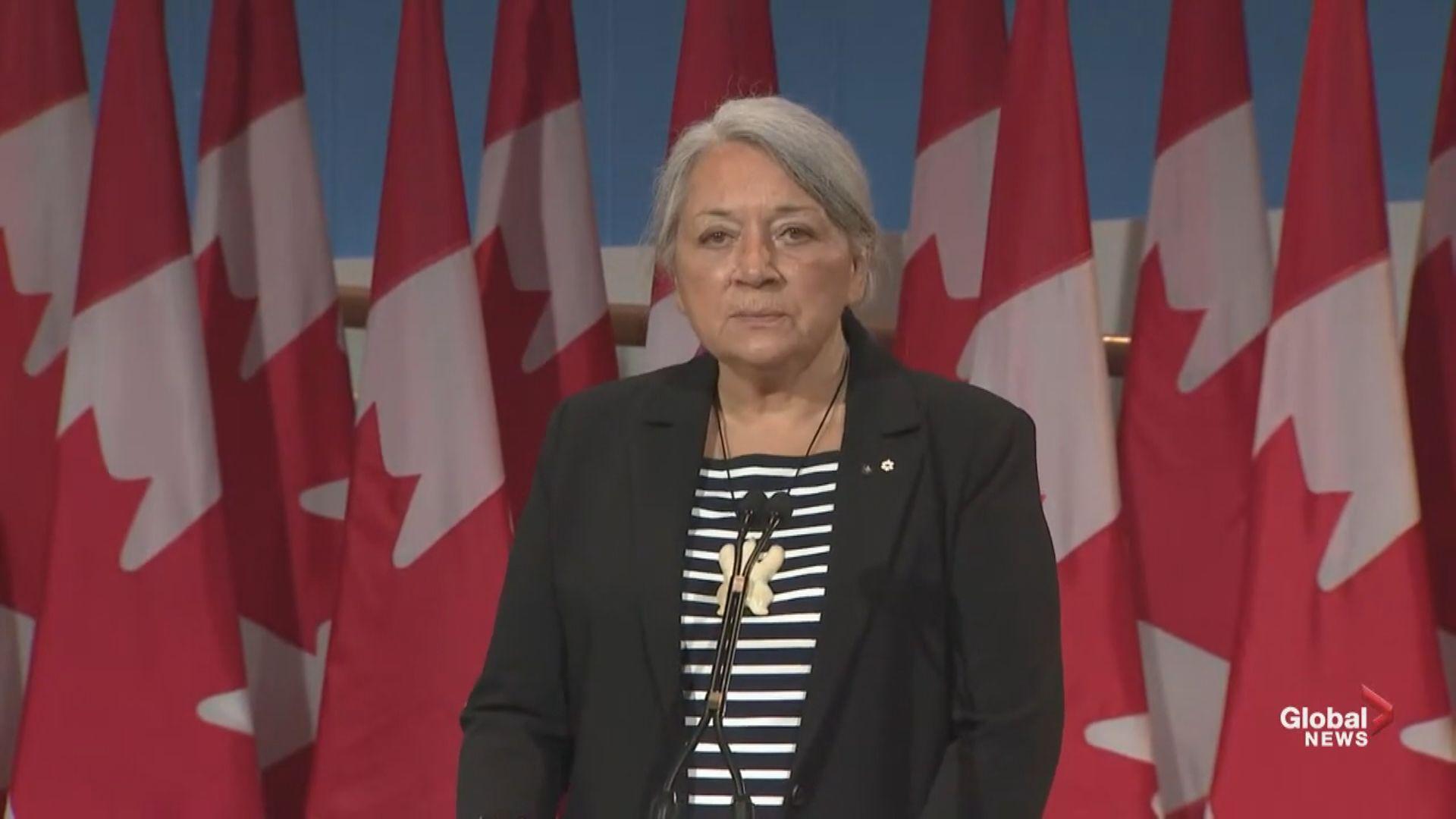 【即日焦點】區議員本月宣誓 消息指230人不符資格 政府去信前未辭職者將被追討薪津;加拿大總督首次由原住民出任