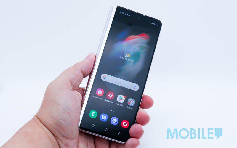 前後螢幕表現、屏下前鏡效果,Galaxy Z Fold3 顯示功能速試