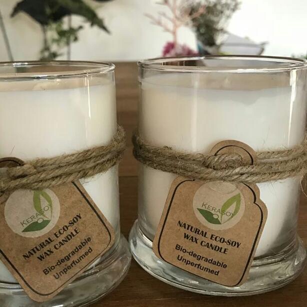以環保大豆蠟燭代替傳統香燭。(受訪者提供)