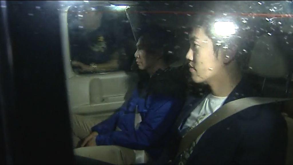 鄭松泰涉侮辱國旗及區旗罪被捕