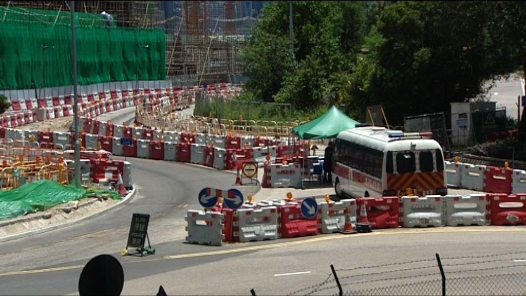 習近平明訪港 警方駐守西九車輛不得進入