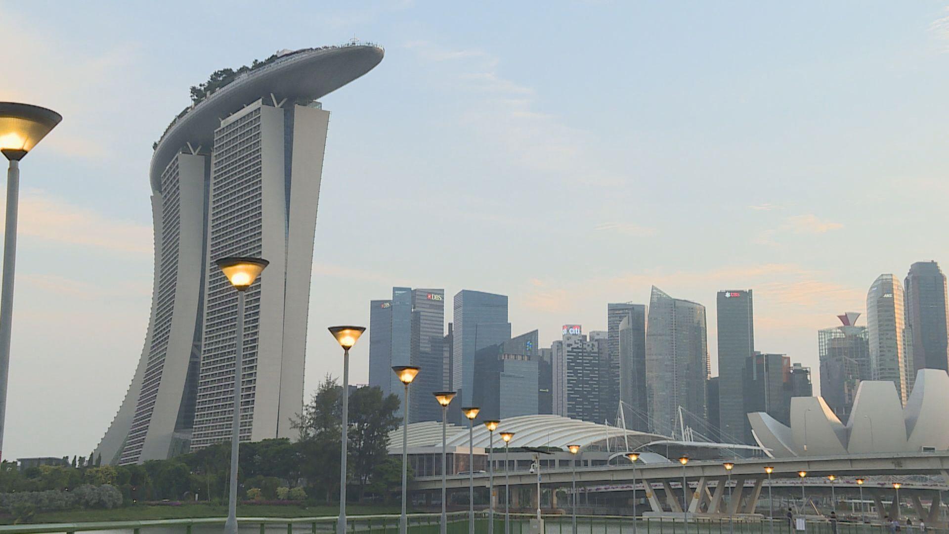 【區內經濟】新加坡金管局:少量資金從香港流入