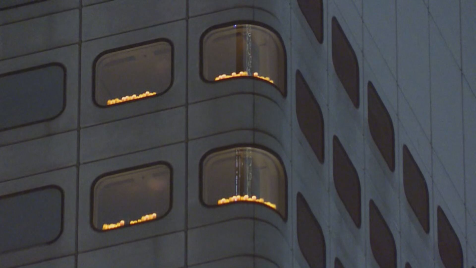 美駐港總領事館及歐盟駐港辦事處擺放電子蠟燭悼念六四