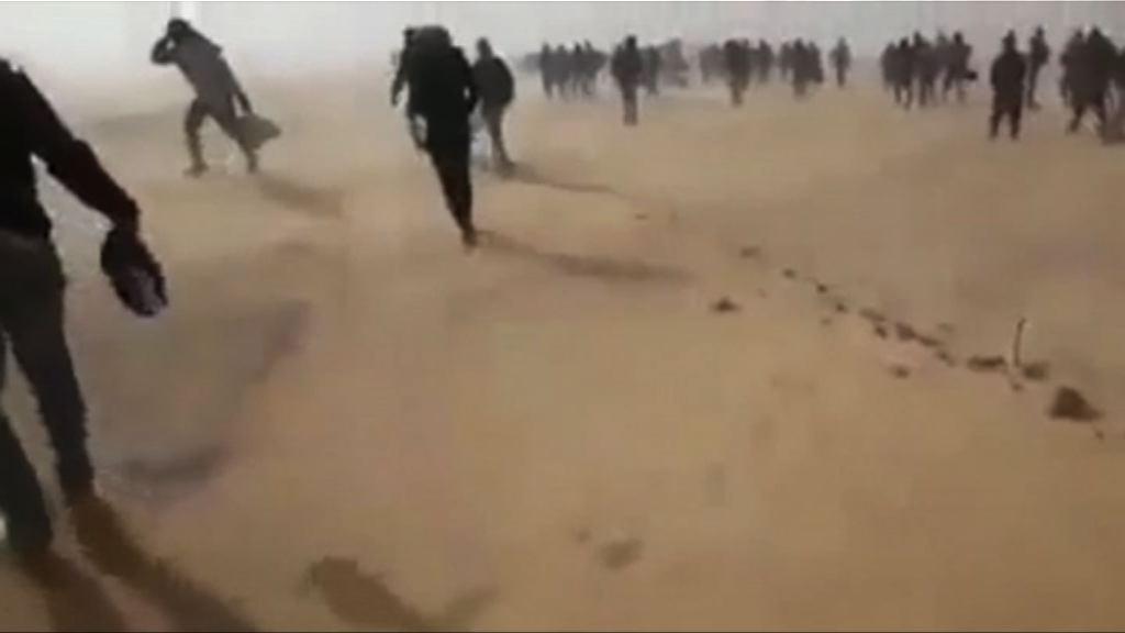 非洲難民被阿爾及利亞放逐到撒哈拉沙漠