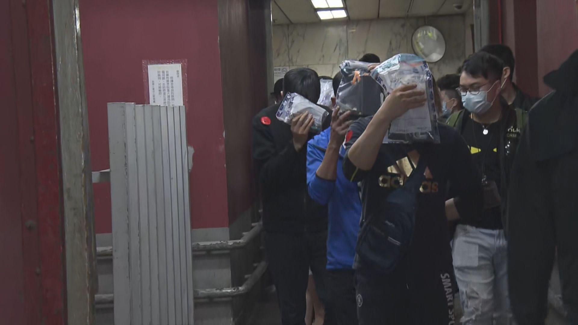 警破土瓜灣工廈無牌酒吧拘三十三男女