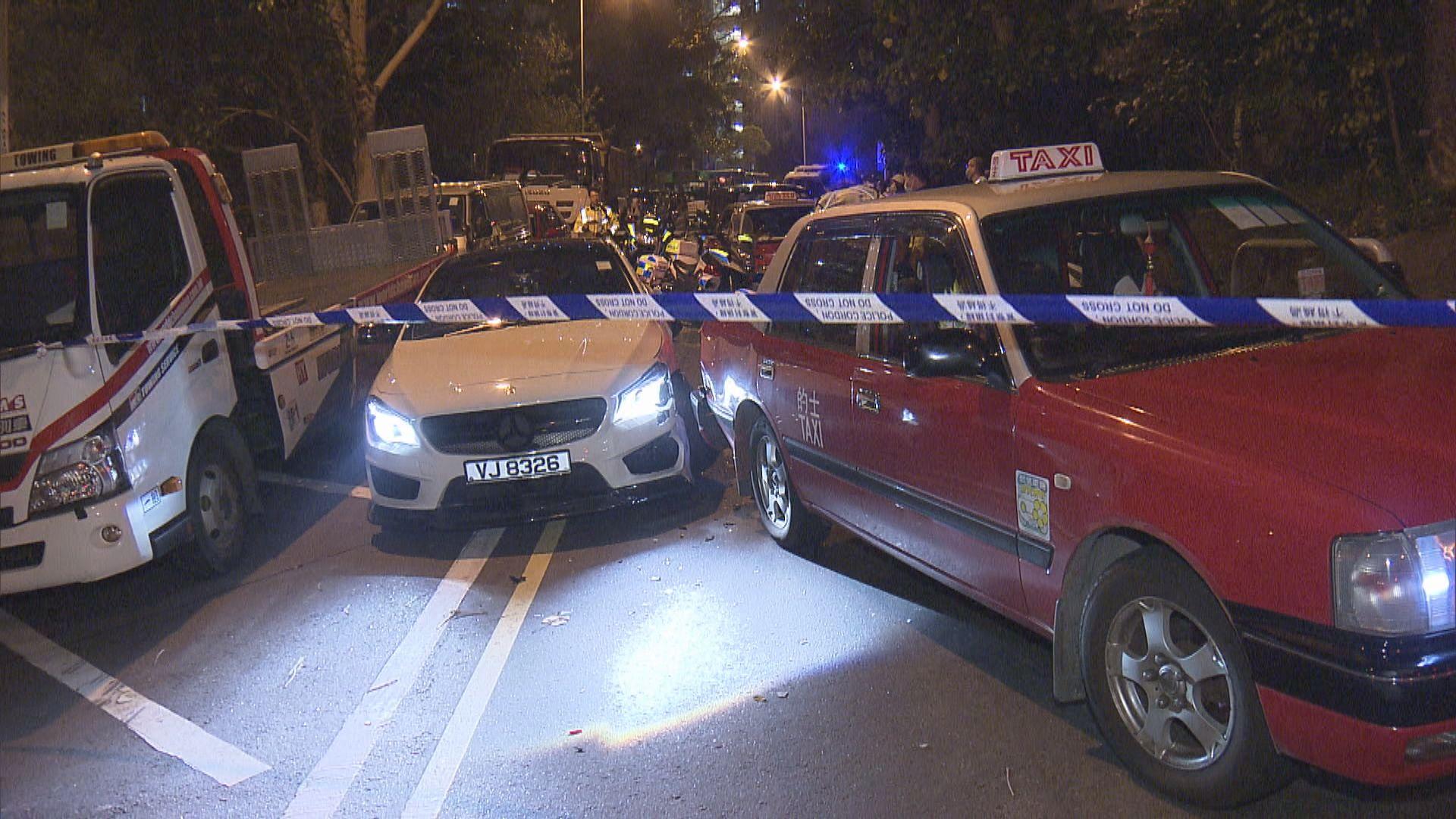 黃大仙私家車涉瘋駕警拔槍拘兩漢