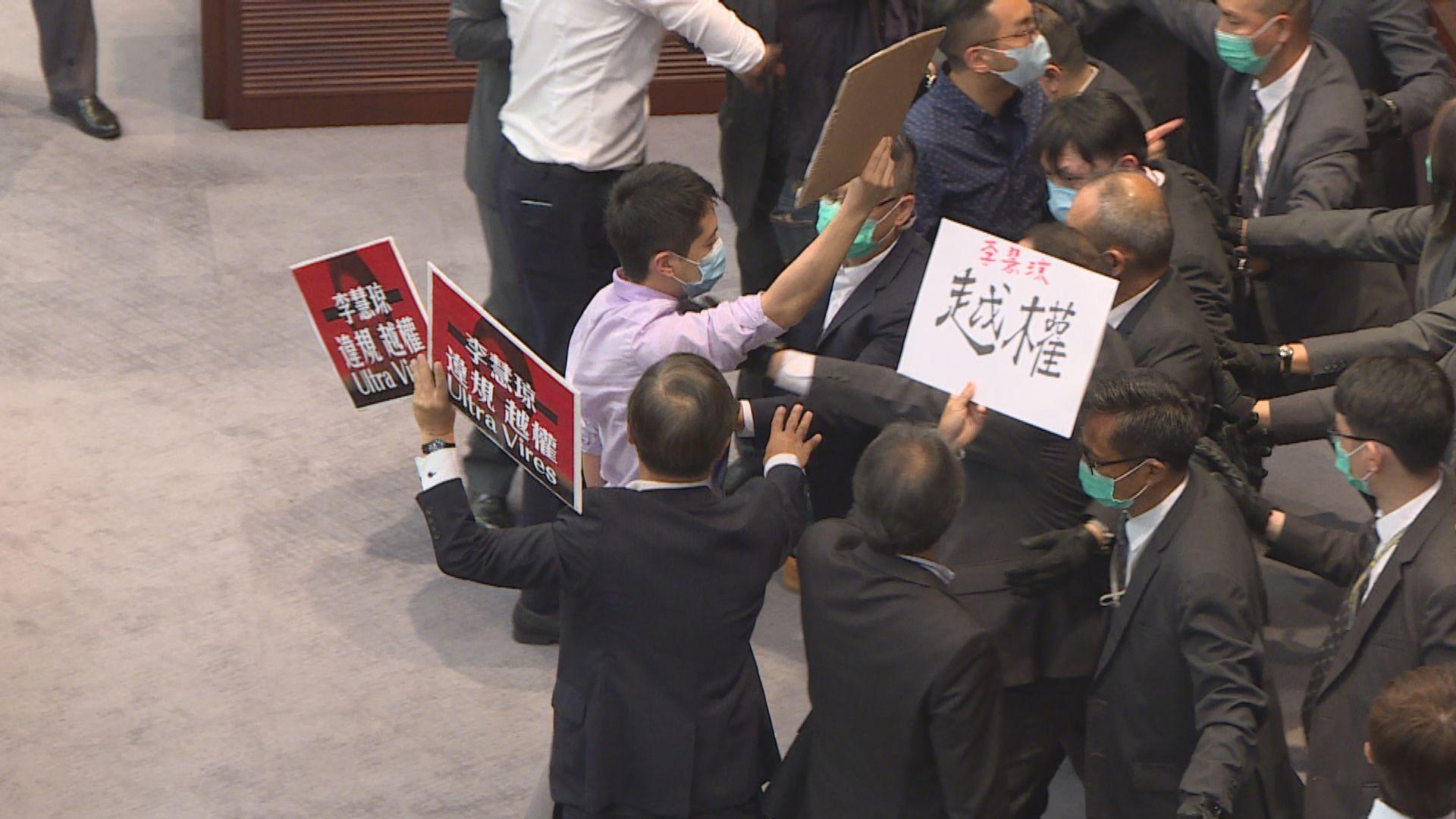 消息:許智峯同在拘捕名單上 但警方未能聯絡他