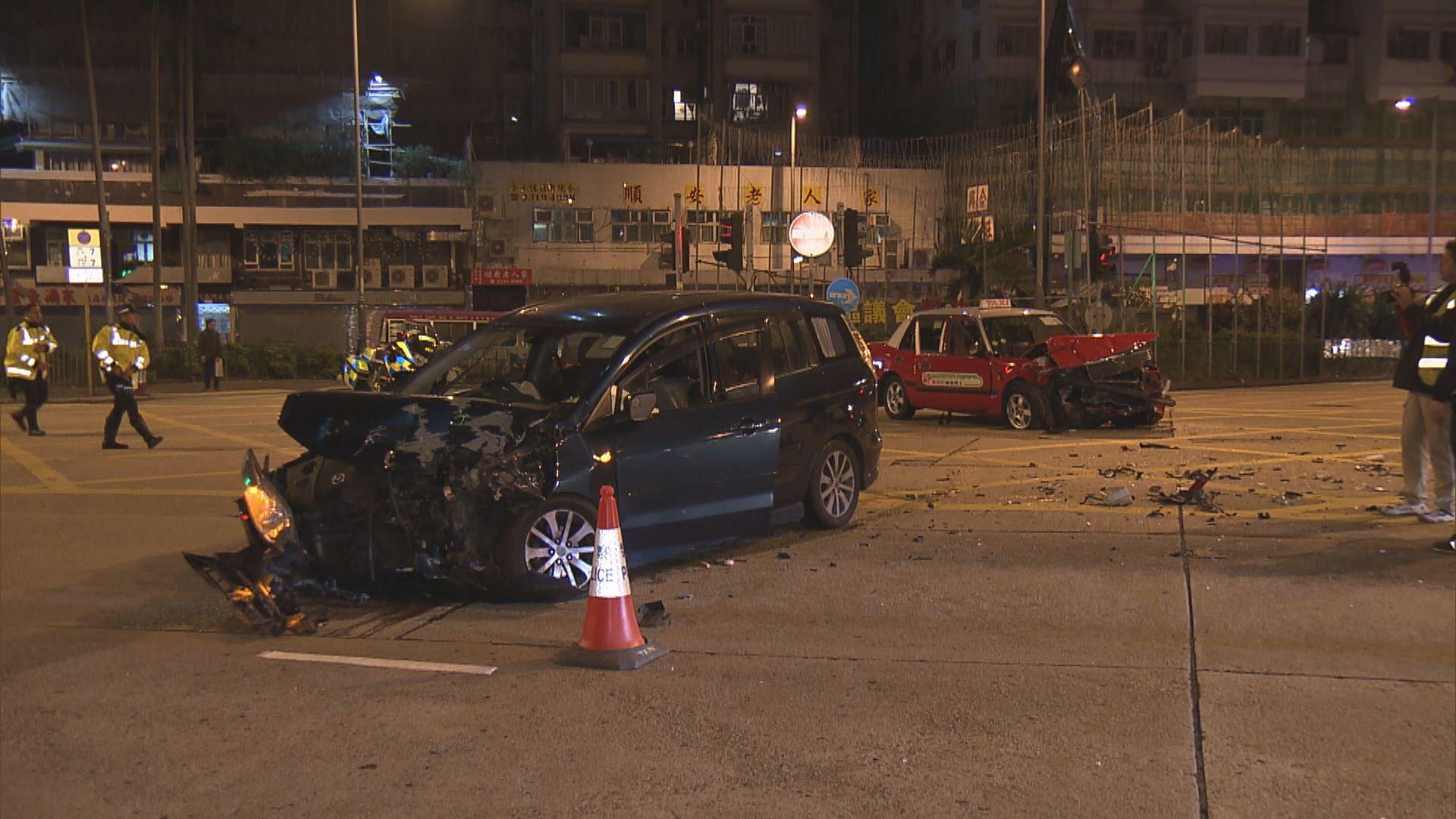深水埗私家車避警追截撞的士釀兩傷
