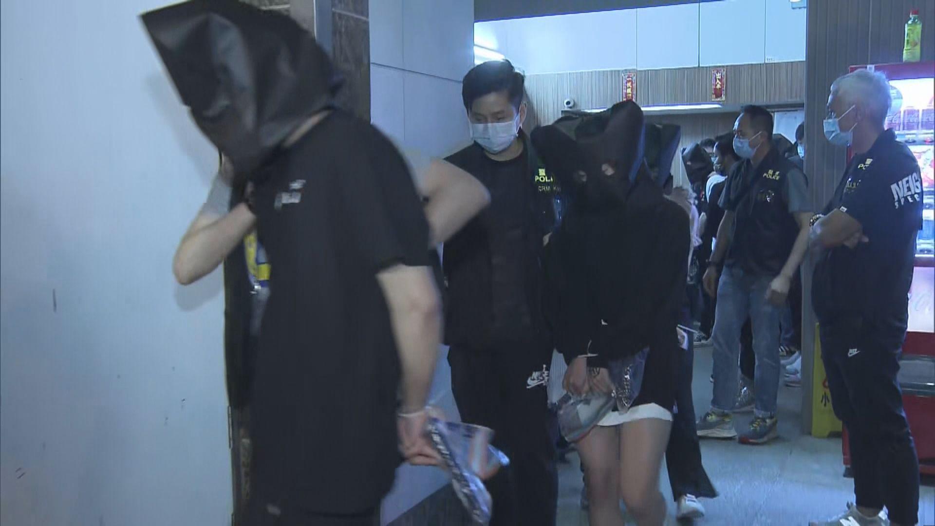 警破土瓜灣工廈夜店檢毒及武器 拘22人